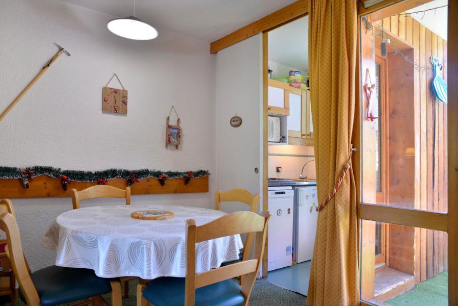 Holiday in mountain resort Studio 4 people (629) - La Résidence les Glaciers - La Plagne - Dining area