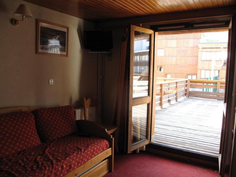 Holiday in mountain resort Studio mezzanine 5 people (33) - La Résidence les Isbas II - La Plagne - French window onto balcony