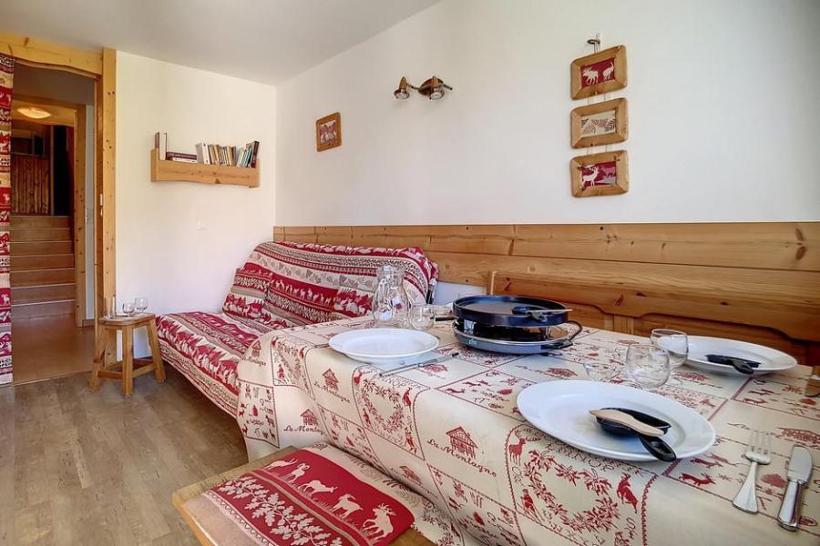 Holiday in mountain resort 2 room duplex apartment 5 people (E18) - La Résidence les Lauzes - Les Menuires - Bedroom