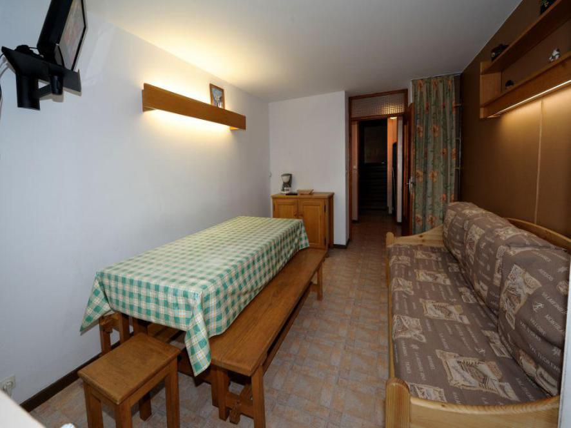 Holiday in mountain resort 2 room duplex apartment 6 people (C8) - La Résidence les Lauzes - Les Menuires - Dining area