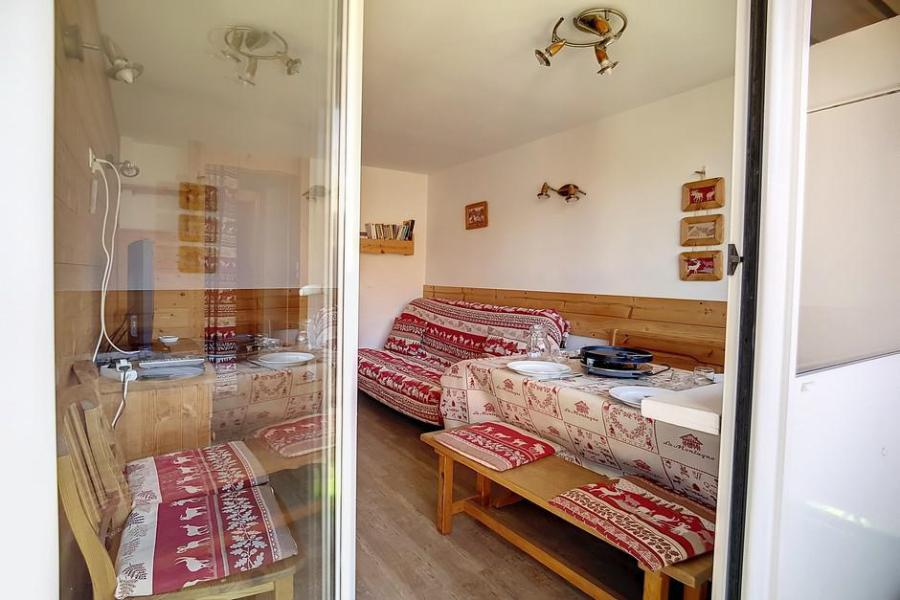 Holiday in mountain resort 2 room duplex apartment 5 people (E18) - La Résidence les Lauzes - Les Menuires