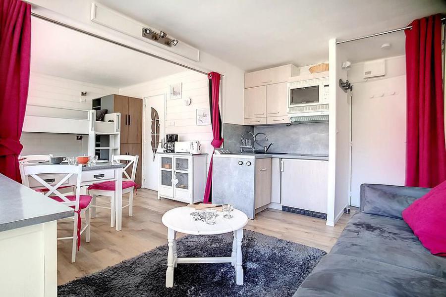 Holiday in mountain resort Studio 4 people (C1) - La Résidence les Lauzes - Les Menuires - Living room
