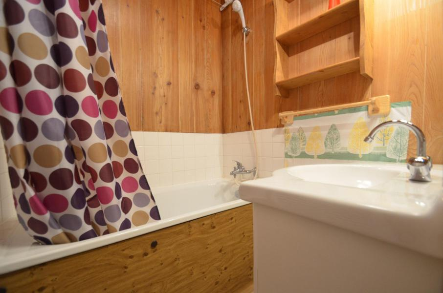 Holiday in mountain resort Studio sleeping corner 2 people (68) - La Résidence les Mélèzes - Les Menuires