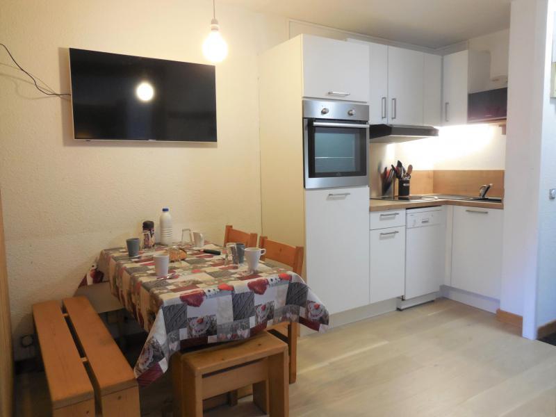 Vacances en montagne Appartement 2 pièces 4 personnes (004) - La Résidence les Pentes - Montchavin La Plagne - Table