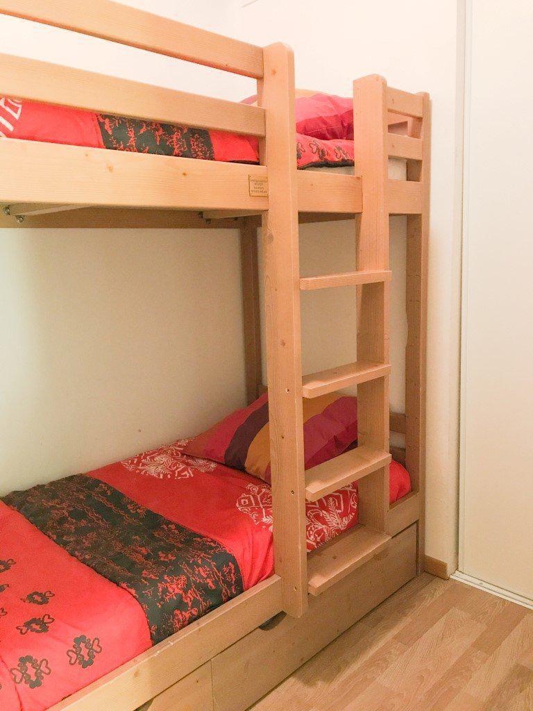 Vacaciones en montaña Apartamento cabina para 5 personas (NG11) - La Résidence Neige et Golf - Montgenèvre - Camas superpuestas