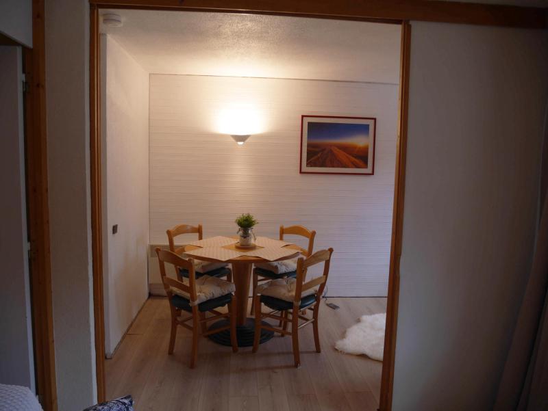Holiday in mountain resort Studio 4 people (8) - La Résidence St Jacques - La Plagne - Table