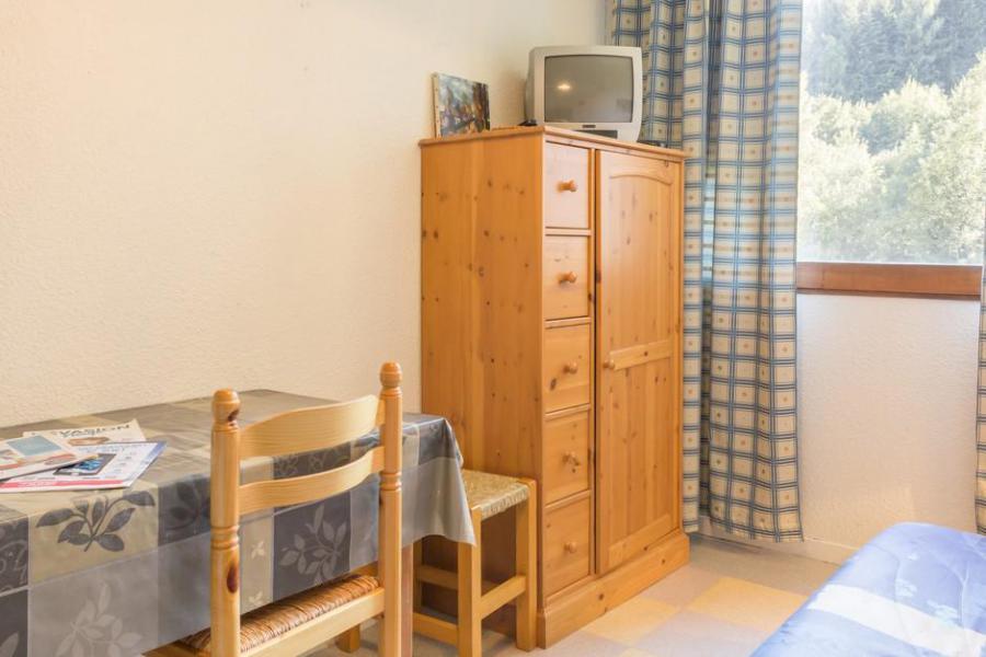 Holiday in mountain resort Studio 2 people (0414) - La Résidence Vostok Zodiaque - Le Corbier - Table