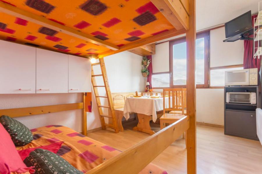 Holiday in mountain resort Studio 3 people (0205) - La Résidence Vostok Zodiaque - Le Corbier - Bed-settee