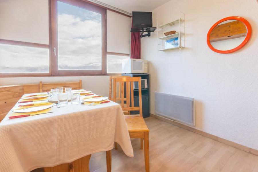 Holiday in mountain resort Studio 3 people (0205) - La Résidence Vostok Zodiaque - Le Corbier - Dining area