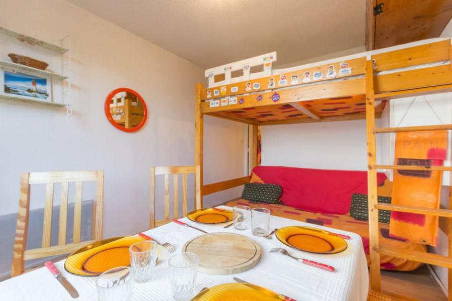 Holiday in mountain resort Studio 3 people (0205) - La Résidence Vostok Zodiaque - Le Corbier - Table