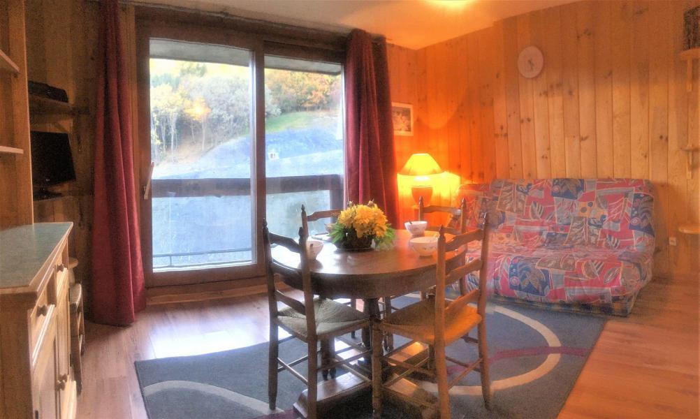 Holiday in mountain resort Studio cabin 5 people (511) - La Résidence Vostok Zodiaque - Le Corbier - Table