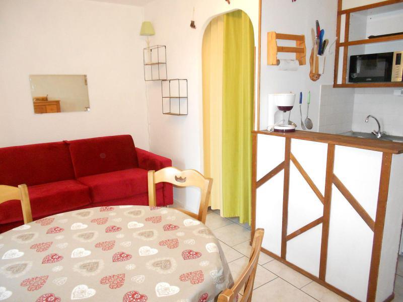 Holiday in mountain resort Studio sleeping corner 4 people (0607) - La Résidence Vostok Zodiaque - Le Corbier - Bed-settee