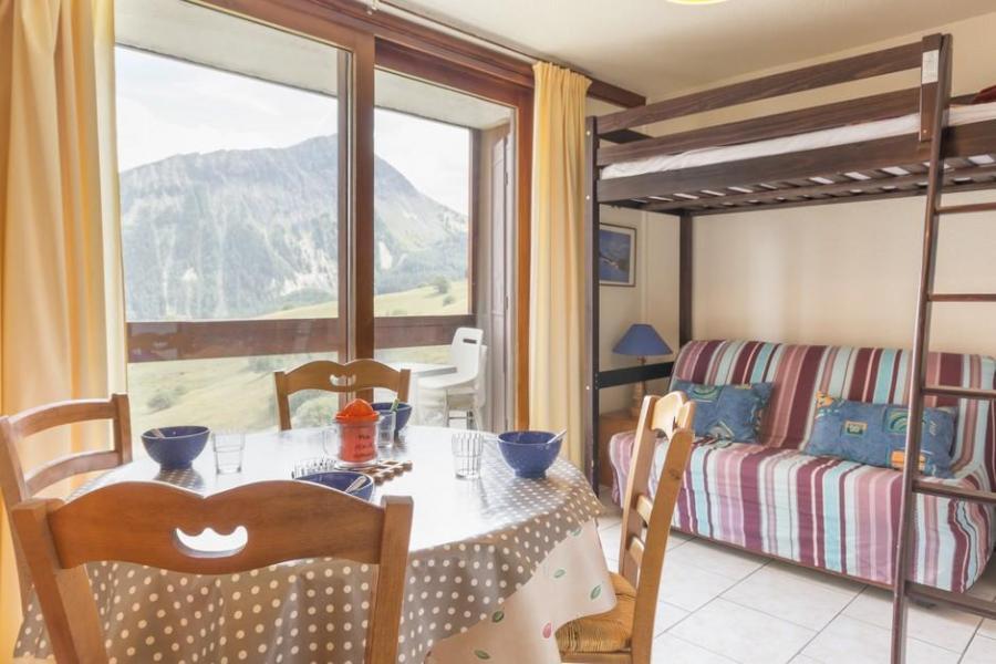Holiday in mountain resort Studio sleeping corner 4 people (0607) - La Résidence Vostok Zodiaque - Le Corbier - Living room