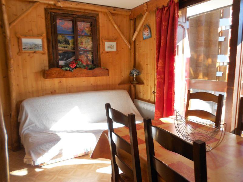 Holiday in mountain resort Studio sleeping corner 4 people (1107) - La Résidence Vostok Zodiaque - Le Corbier - Living room
