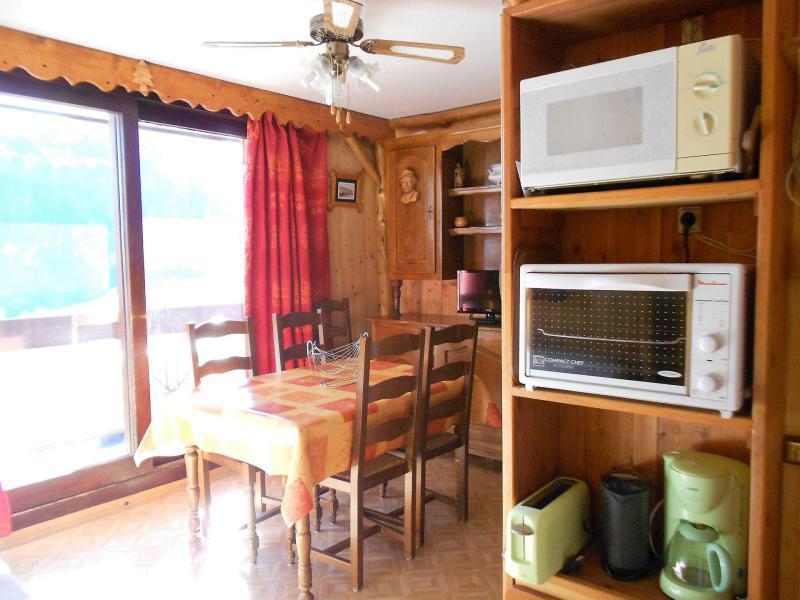 Holiday in mountain resort Studio sleeping corner 4 people (1107) - La Résidence Vostok Zodiaque - Le Corbier - Table