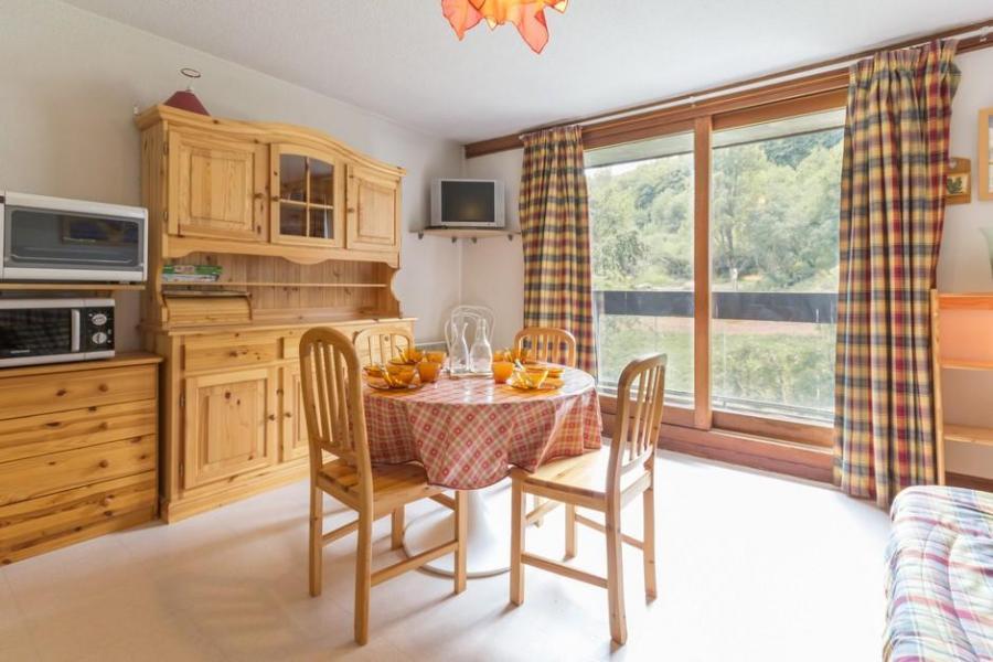 Holiday in mountain resort Studio sleeping corner 5 people (0111) - La Résidence Vostok Zodiaque - Le Corbier - Wash-hand basin