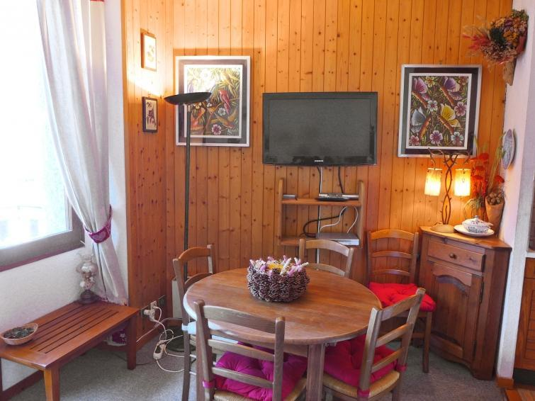 Holiday in mountain resort 2 room apartment 4 people (7) - Le Carlton - Chamonix - Table
