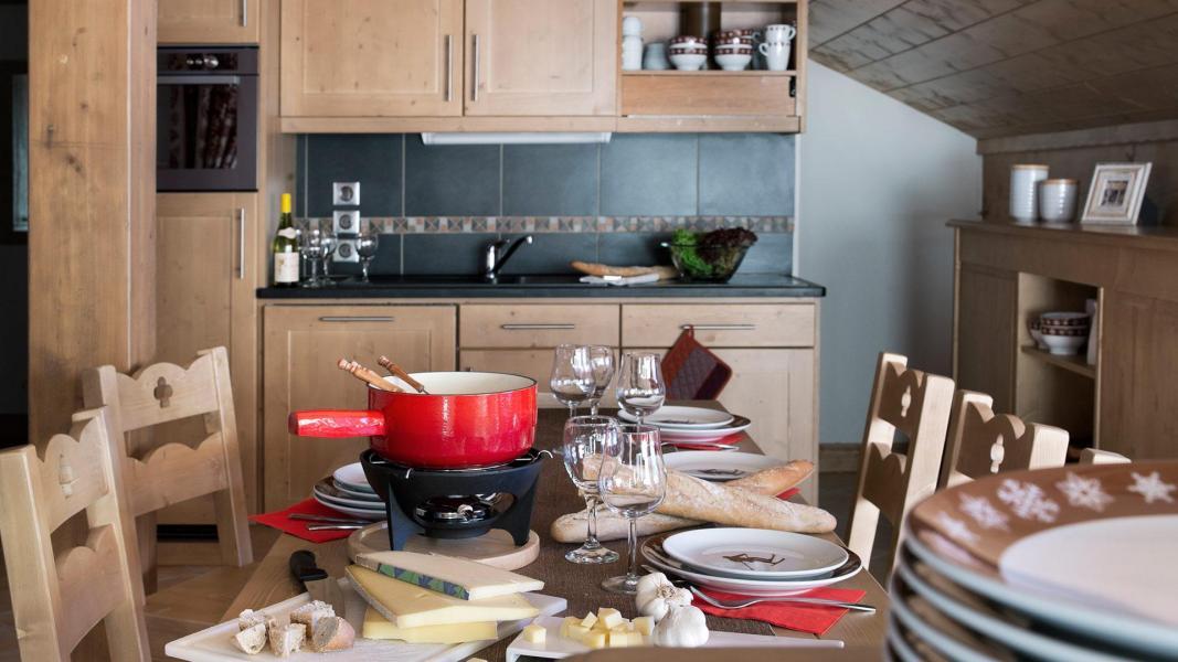 Holiday in mountain resort Le Chalet des Dolines - Montgenèvre - Kitchen