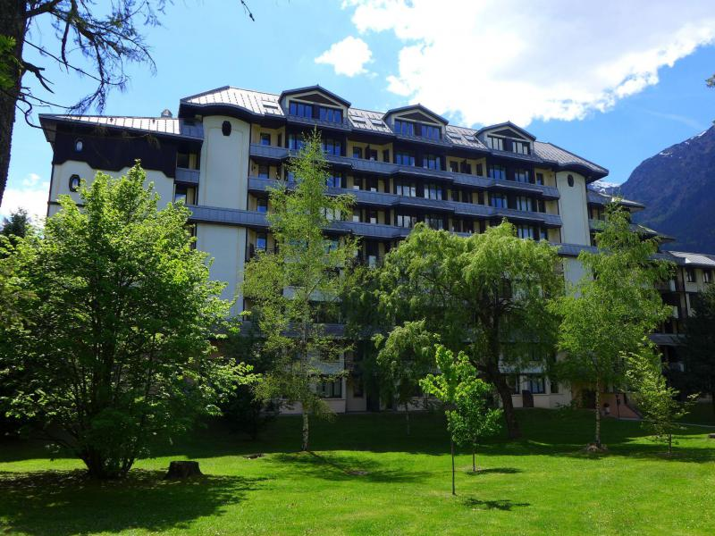Holiday in mountain resort Le Chamois Blanc - Chamonix - Summer outside