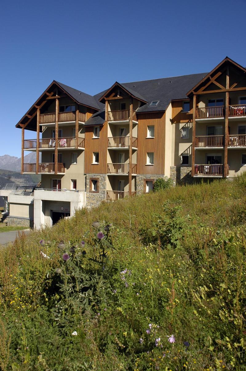 Soggiorno sugli sci Le Hameau de Balestas - Peyragudes - Esteriore estate