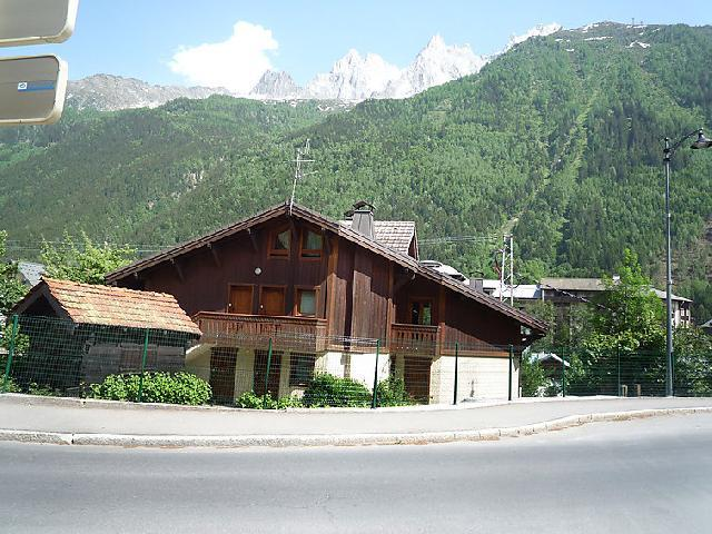 Holiday in mountain resort 3 room apartment 4 people (1) - Le Krystor - Chamonix - Summer outside