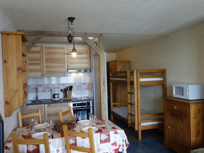 Holiday in mountain resort 1 room apartment 4 people (6) - Le Prariond - Tignes - Accommodation