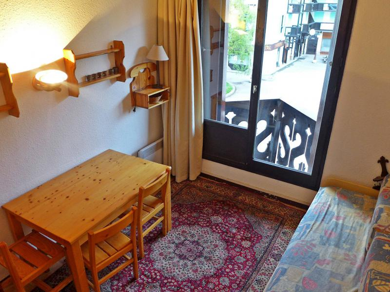 Holiday in mountain resort 1 room apartment 4 people (6) - Le Triolet - Chamonix - Summer outside