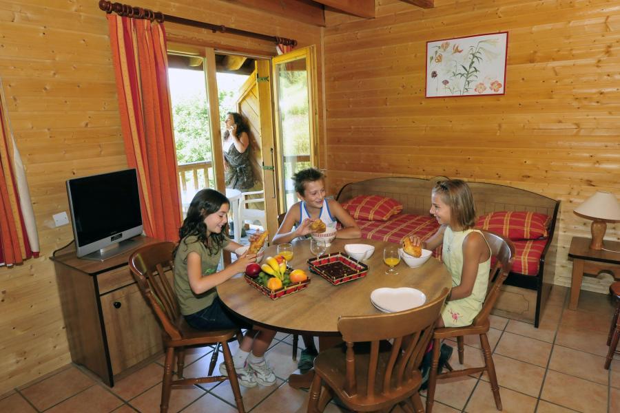 Urlaub in den Bergen Le Village Gaulois - Saint-François Longchamp - Tisch