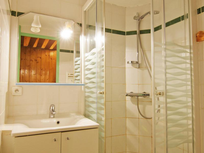 Holiday in mountain resort 2 room apartment 6 people (6) - Le Villaret - Les Menuires - Shower