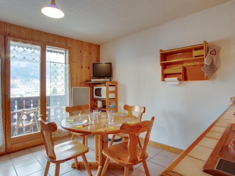 Holiday in mountain resort 2 room apartment 4 people (2) - Les Aiguilles du Midi - Saint Gervais - Table