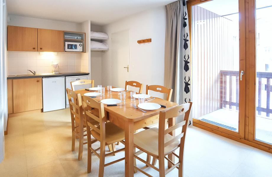 Holiday in mountain resort 2 room apartment sleeping corner 6 people (2P6CM+) - Les Balcons de la Vanoise - Termignon-la-Vanoise - Dining area