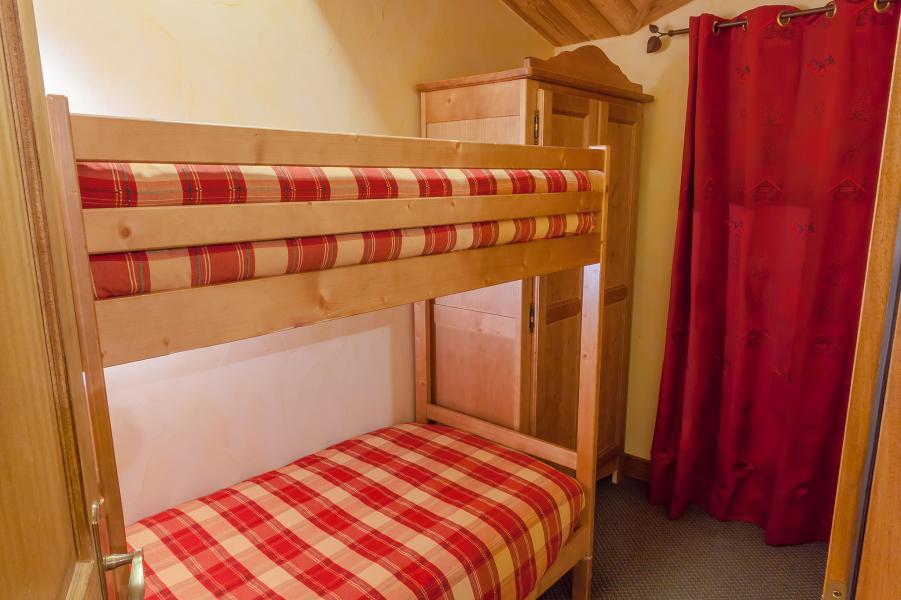 Urlaub in den Bergen Les Balcons de Val Cenis Village - Val Cenis - Offener Schlafbereich