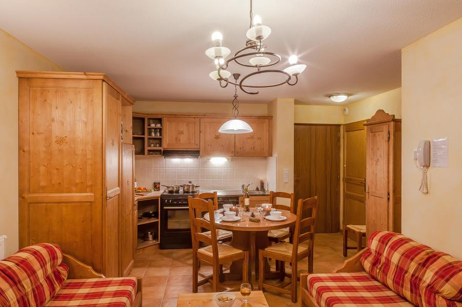 Holiday in mountain resort Les Balcons de Val Cenis Village - Val Cenis - Open-plan kitchen