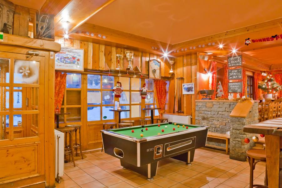 Holiday in mountain resort Les Balcons de Val Thorens - Val Thorens - Pool