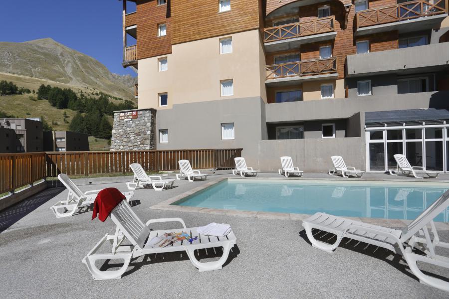 Skiverleih Les Balcons du Soleil - Val d'Allos - Draußen im Sommer