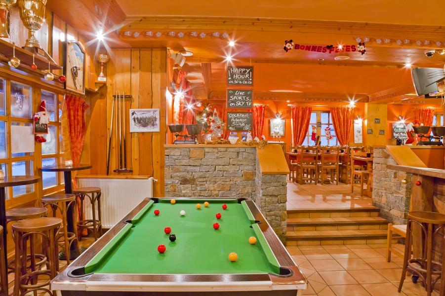 Holiday in mountain resort Les Balcons Platinium - Val Thorens - Pool