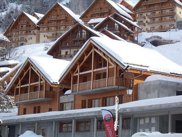 Holiday in mountain resort Les Chalets d'Adrien - Valloire
