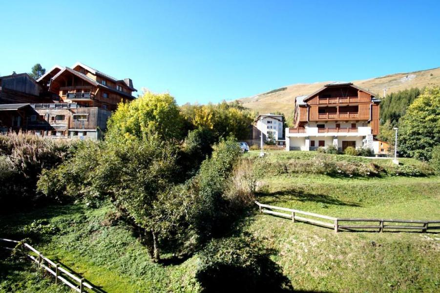 Holiday in mountain resort 3 room apartment 5 people (216) - Les Chalets d'Or - Les 2 Alpes - Summer outside