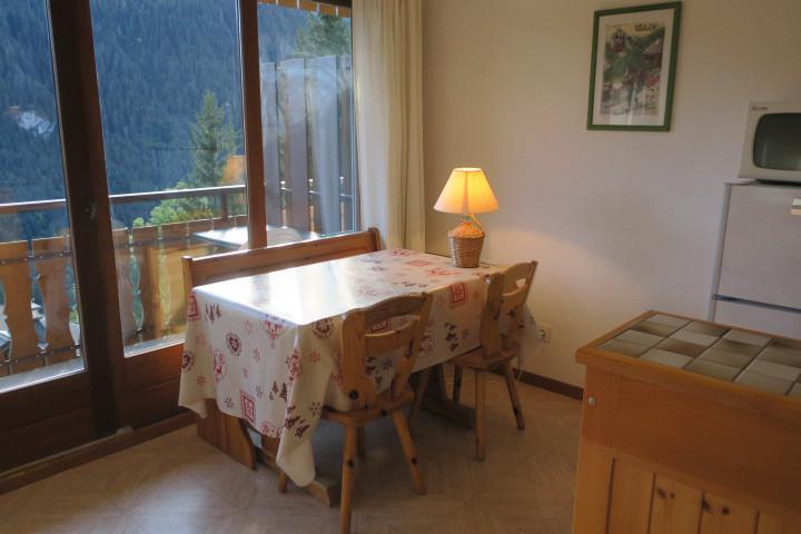 Vacances en montagne Appartement 2 pièces coin montagne 4 personnes (BBB4) - Les Chalets de Barbessine - Châtel - Table