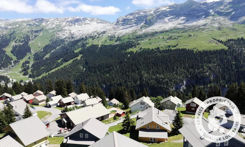 Аренда на лыжном курорте Les Chalets de Flaine Hameau - Maeva Home - Flaine - летом под открытым небом