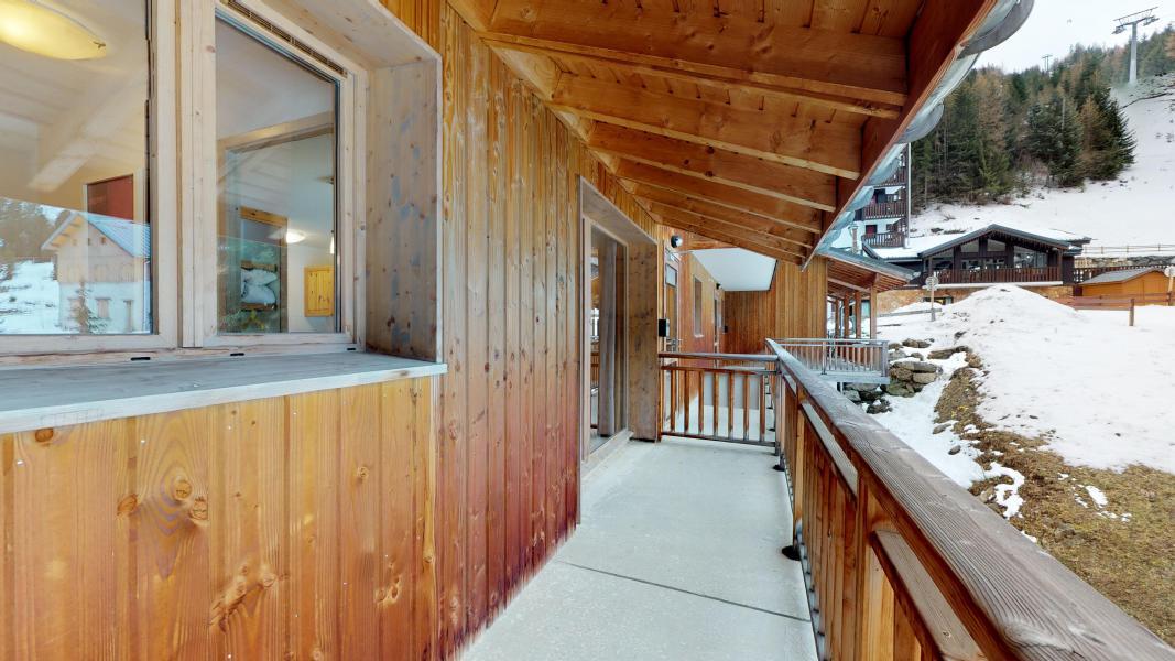 Vacaciones en montaña Apartamento cabina para 4 personas - Les Chalets de Florence - Valfréjus - Balcón