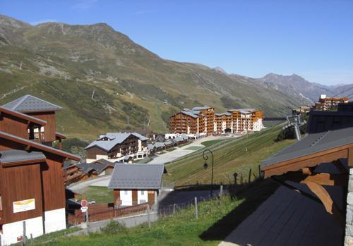 Location au ski Les Chalets De L'adonis - Les Menuires - Extérieur été