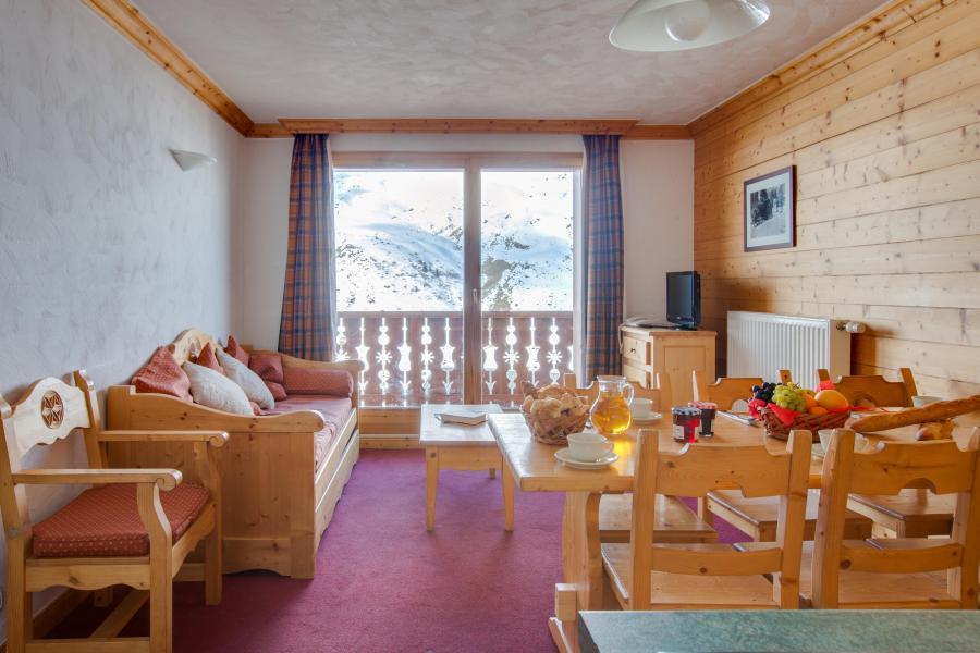 Vacanze in montagna Les Chalets de l'Adonis - Les Menuires - Porta-finestra affacciata sul balcone