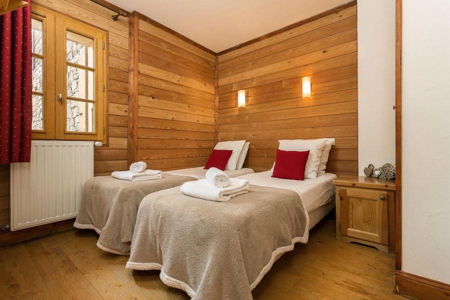 Vacances en montagne Les Chalets de l'Altiport - Alpe d'Huez - Lit simple