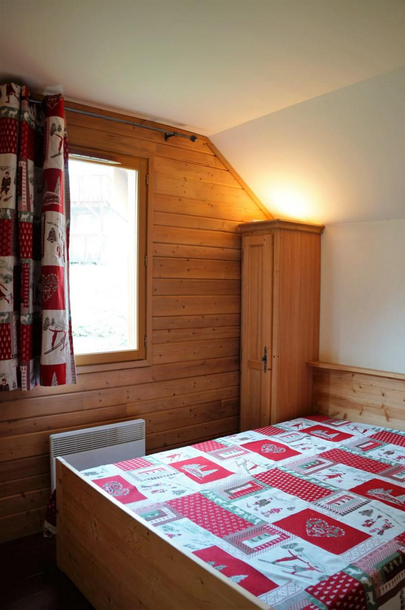 Holiday in mountain resort 4 room mezzanine chalet 10 people (12) - Les Chalets de Praroustan - Pra Loup - Bedroom