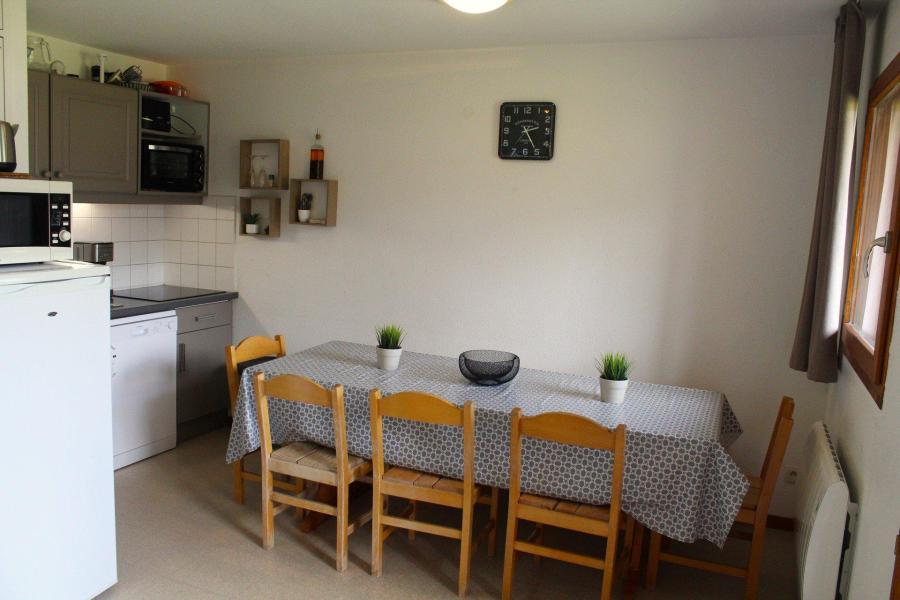 Wakacje w górach Apartament 4 pokojowy 10 osób (DP45) - Les Chalets de SuperD Dauphinelle - Superdévoluy - Pokój gościnny