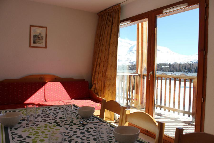 Wakacje w górach Apartament 1 pokojowy z alkową 6 osób (EG61) - Les Chalets de SuperD Eglantier - Superdévoluy - Stołem