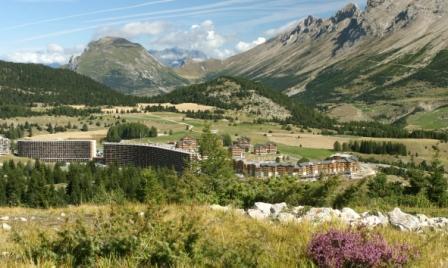 Vacaciones en montaña Les Chalets de SuperD Gentiane - Superdévoluy