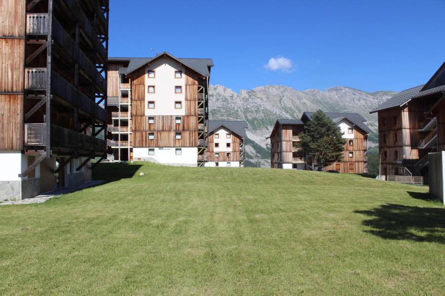 Location au ski Les Chalets de SuperD Hélianthème - Superdévoluy - Extérieur été