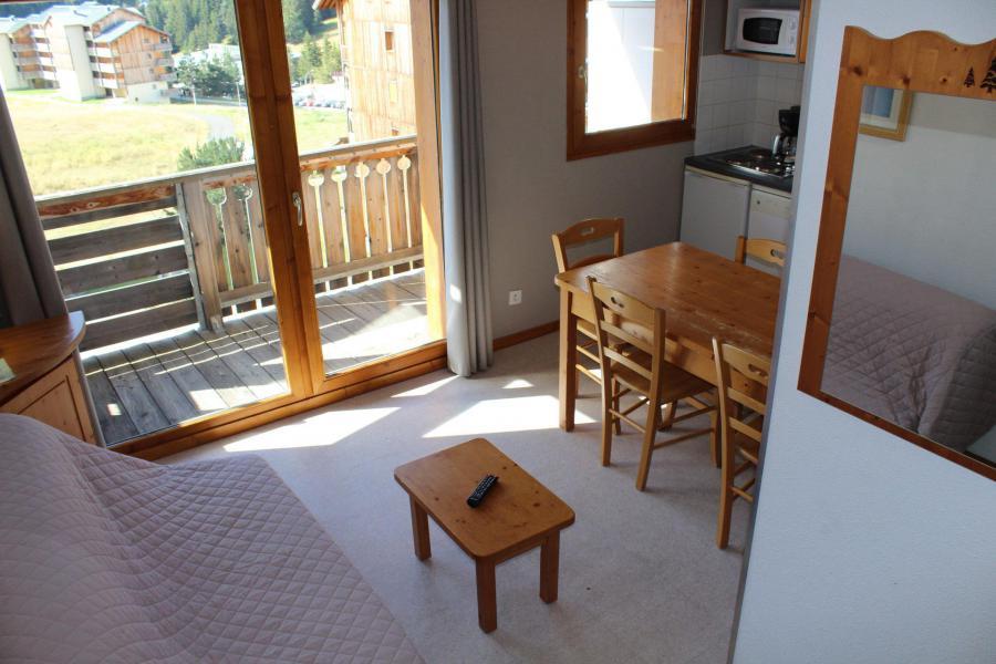 Vacaciones en montaña Apartamento cabina 2 piezas para 6 personas (HE54) - Les Chalets de SuperD Hélianthème - Superdévoluy - Mesa